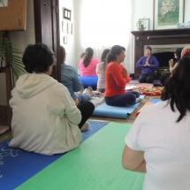 Taller Cuidado a traves del Yoga Restaurativo 033
