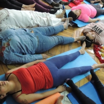 Taller Cuidado a traves del Yoga Restaurativo 060